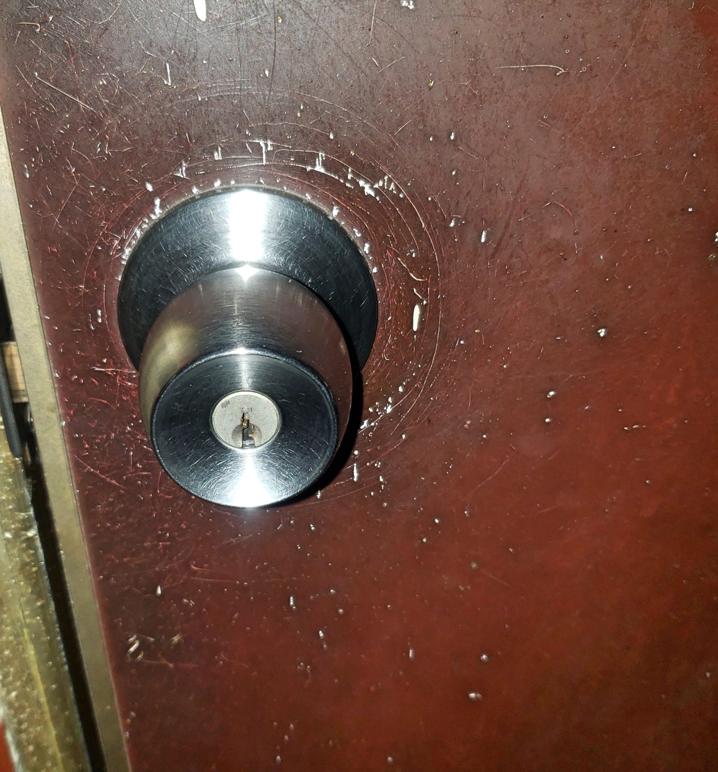 開錠 玄関玉座と窓補助錠